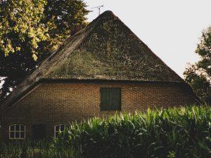 Belangrijke aandachtspunten voor klusboerderij met dakrenovatie